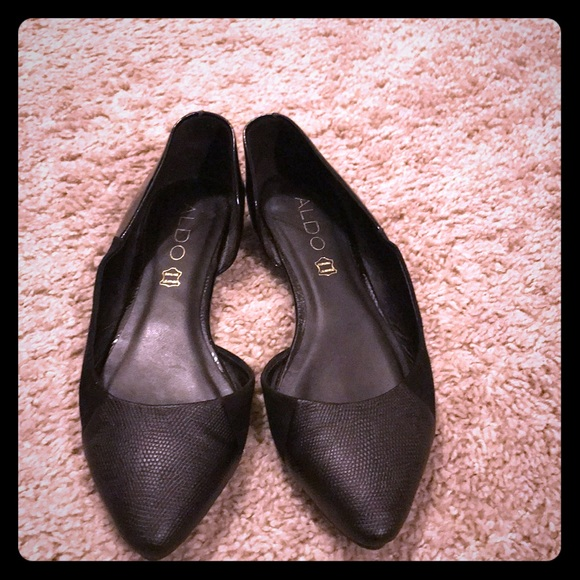 07405736f94 Aldo black flats with side cut out